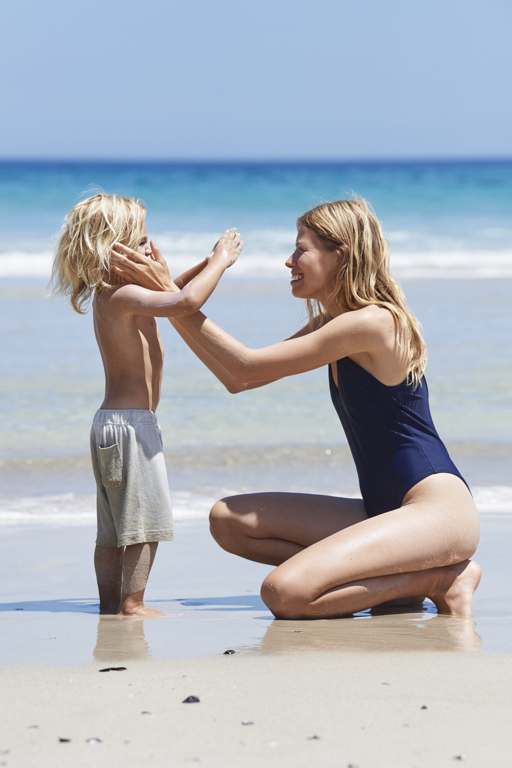 klik om Naif Sunscreen SPF30 kids te bekijken