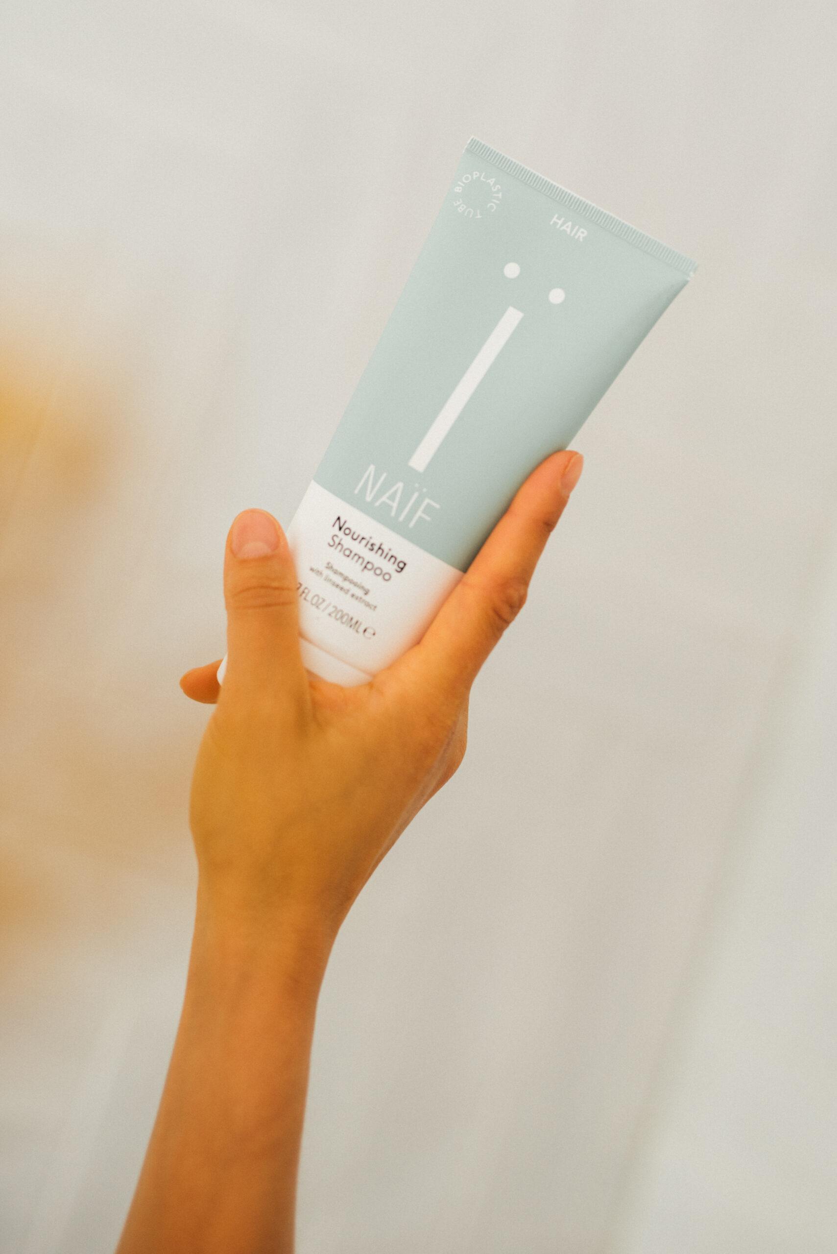 Klik om naar Naif Nourishing Shampoo Grownups te gaan